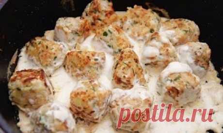 Vkusnyashki: las bolitas De pez en la crema agria