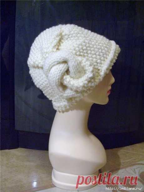 Необычная шапка с узелком