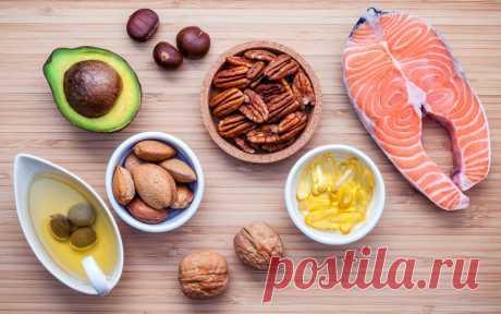 Всё о витамине Е Витамин E эффективно работает в антиоксидантной защите организма. В организме витамин E имеется преимущественно в форме жирорастворимого антиоксиданта, защищая клетки от ущерба, который наносят свободные радикалы.