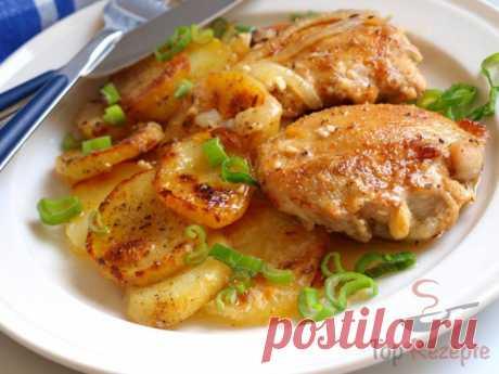 Hähnchenstücke und Kartoffeln mit Sahne überbacken - Giorvy Das erste Mal habe ich Kartoffeln mit Sahne überbacken. Ich sage euch, es ist der Himmel im Mund. Zuerst dachte ich, dass sie einen eher faden Geschmack haben werden, aber am Ende war es ein geiles Gericht, das ich auf jeden Fall wieder kochen werde. Alles wird zusammen, mit der Sahne, in einer Form gebacken. Die Sahne macht das ganze Gericht sehr zart und sorgt gleichzeitig für eine knusprige Kruste. ZUTATEN 4Häh...