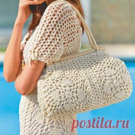Женская сумка с ажурными квадратами