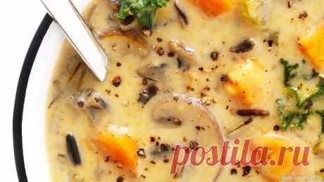 Бархатный грибной суп из сушеных грибов | Вся фишка в секретном ингредиенте! Такой рецепт супа вы точно нигде не найдете! Вся фишка в секретном ингредиенте! Бархатный грибной суп из сушеных грибов на обед, самый вкусный. Супчик постный и вегетарианский. Срочно сохраняйте себе!Ингредиенты:  Сушеные грибы (шиитаке) - 50 г. Шампиньоны - 100 г. Вода очищенная - 1 л +...