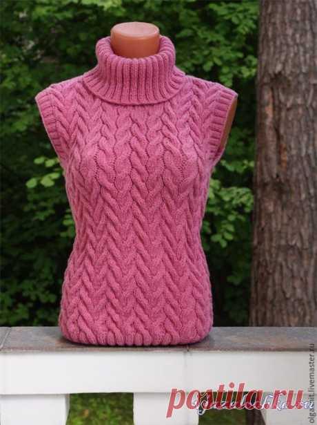 Брусничный вязаный пуловер от Olgaknit Схема: https://vjazalochka.ru/vyazanie-dlya-zhenshchin/pulovery-svitera/brusnichnyj-vyazanyj-pulover-ot-olgaknit