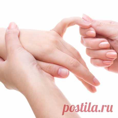 Полоски на ногтях: откуда они и что значат? | Всегда в форме!
