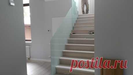 Изготовление лестниц, ограждений, перил Маршаг – Перила из стекла для бетонной лестницы