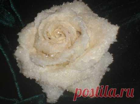 Засахаренная роза - для украшения тортов... а можно и так есть » Жрать.ру