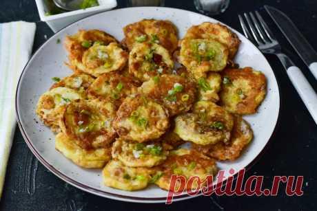Жареные кабачки по-белорусски - простое и оригинальное блюдо Жареные кабачки – это очень простое и доступное каждому блюдо, которое может стать отличной закуской или сытным оригинальным завтраком.