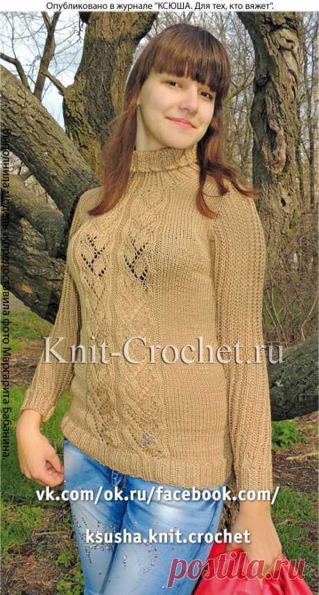 Женский удлиненный пуловер спицами.