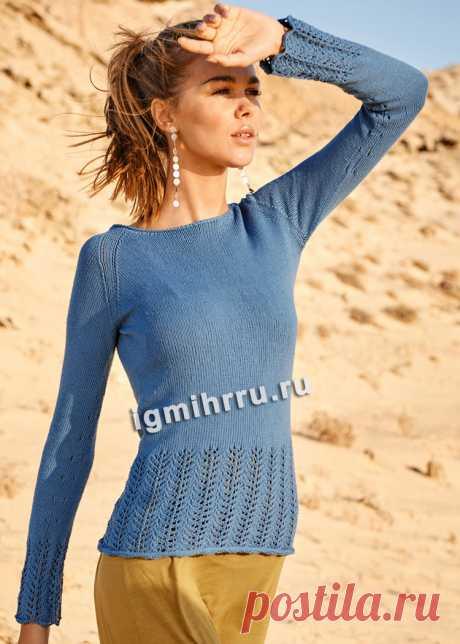 Голубой пуловер с широкими ажурными планками. Вязание спицами со схемами и описанием