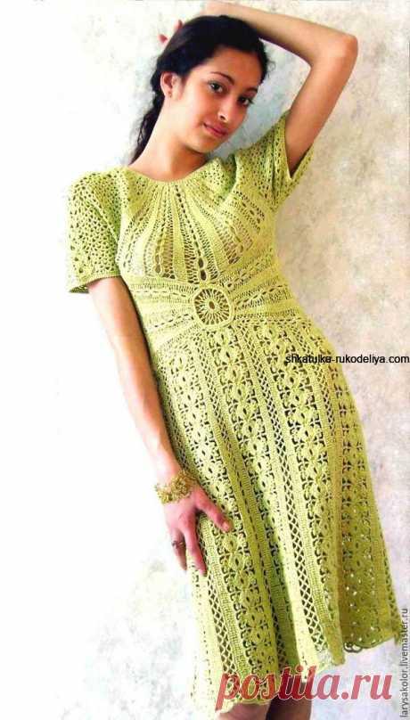 Оливковое платье крючком Оливковое платье крючком. Платье с приталенным силуэтом для летней прогулки+схема