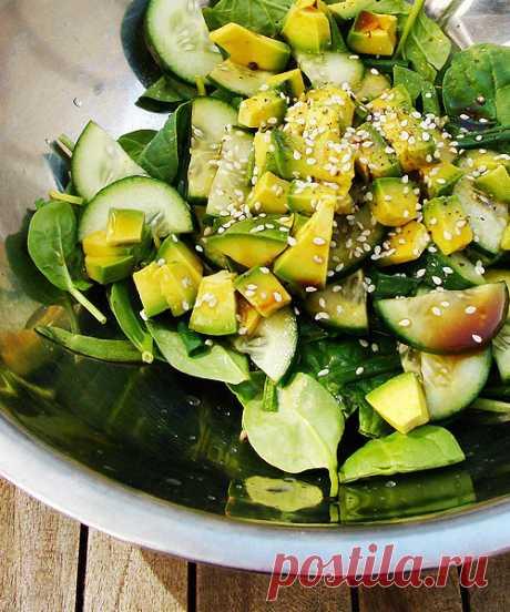 Салат с авокадо и кунжутом | О вкусной еде