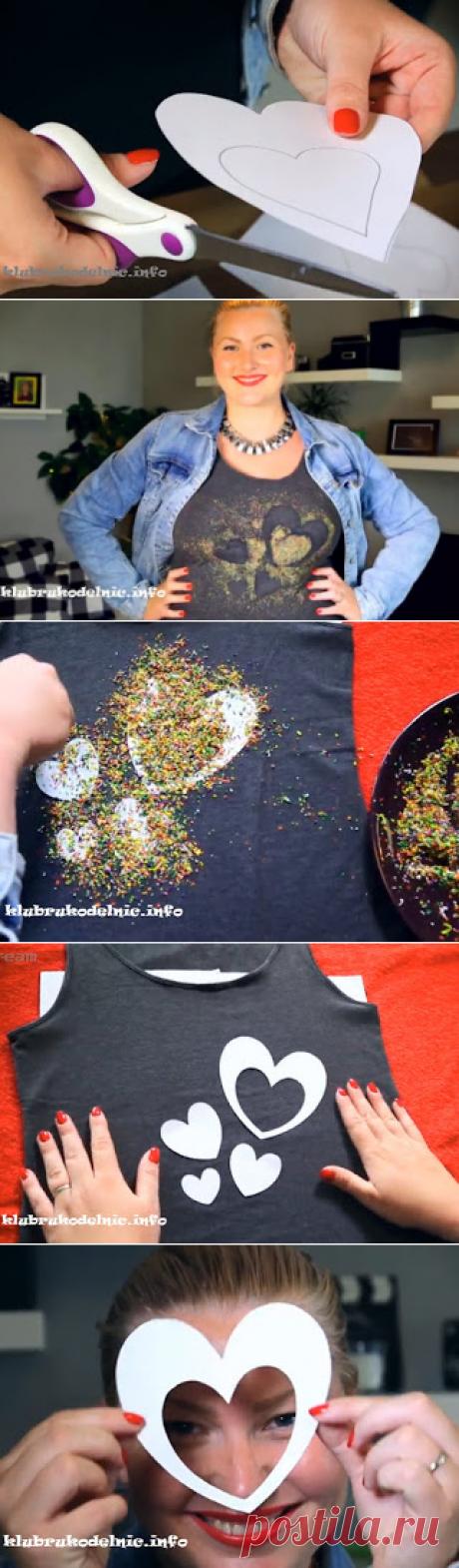 Украшение футболок восковыми карандашами