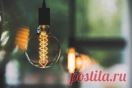 Можно ли установить в люстру сразу энергосберегающие, светодиодные и обычные лампочки накаливания? Разнообразие лампочек накаливания позволяет выбрать подходящую для конкретных нужд и осветительных приборов. Представим, что у вас в загашнике есть