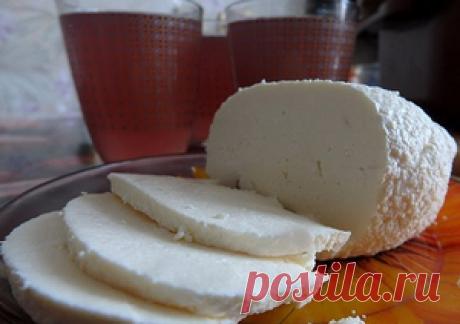Сыр домашний за 3 часа (молоко-1 литр,сметана-200 гр. соль-1 ст.л.яйцо-2 шт)