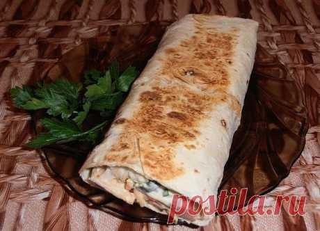 TOP-6 recipes of HOME-MADE SHAWARMA\u000a\u000a1. Shawarma with sausage\u000a\u000aIngredients:\u000aUnleavened wheat cake — 2 Pieces\u000aCucumber — 2 Pieces\u000aThe Korean carrot — 200 Grams\u000aTomatoes — 2 Pieces\u000aSausage — 400 Grams\u000aLeaves of the Beijing cabbage — 5-6 Pieces\u000aCheese — 150 Grams\u000aKetchup, mayonnaise — - To taste\u000aBunch is fresher than some greens — 1 Pieces\u000a\u000aPreparation:\u000a\u000aWe cut sausage small cubes and we fry on a frying pan within 10 minutes. To taste it is possible to add seasonings.\u000aWe cut tomatoes thin circles.\u000aThin straws we cut regional public institution...