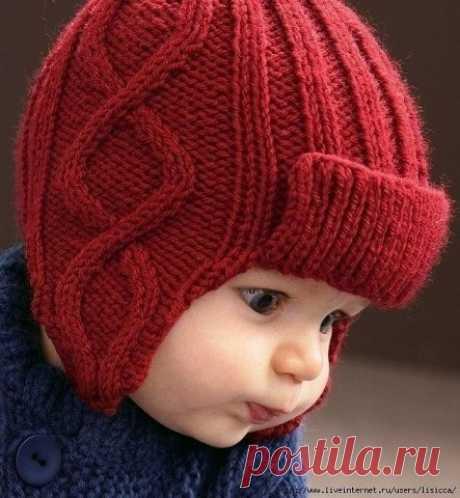 Тёплая вязаная шапочка с ушками