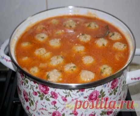 Суп с фрикадельками по турецки.