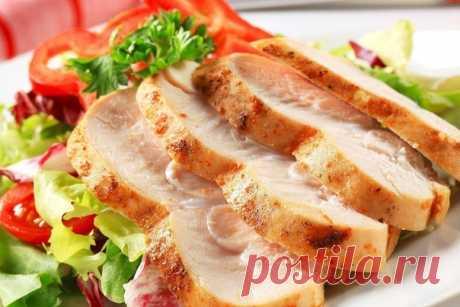 Сочная курица, похожая на ветчину - экономим вкусно  Ингредиенты:  Куриные грудки — 4 шт. Показать полностью…
