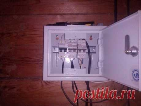 Монтаж электропроводки по дому из бруса в кабель канале   Рекомендательная система Пульс Mail.ru