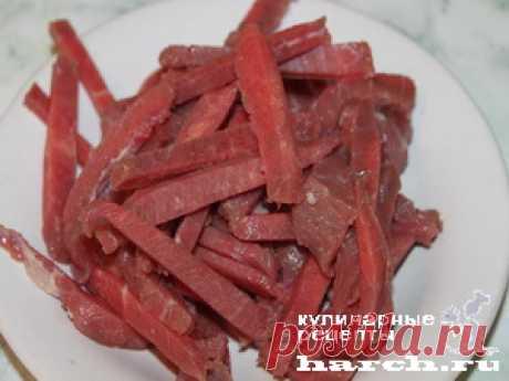 Необычный салат из капусты со свининой и сладкой кукурузой