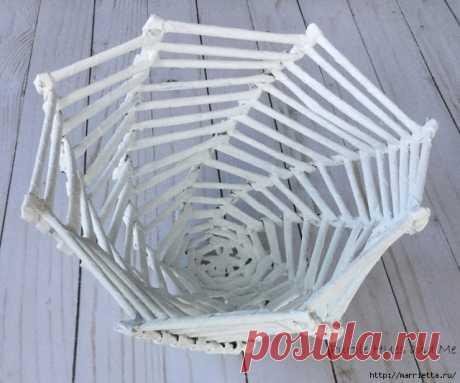 Плетение из газет корзинки-паутинки. Фото мастер-класс
