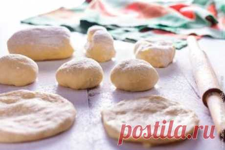 Yeast dough for pies the Checked recipe of yeast dough for pies which is suitable for preparation of pies both with sweet, and with salty stuffings, and also for pastries in general without stuffing.
