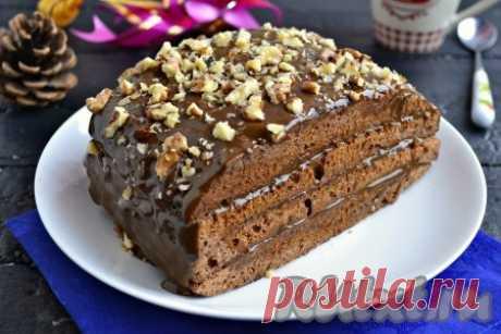 Шоколадный торт в микроволновке - 14 пошаговых фото в рецепте Если вам захотелось чего-нибудь сладенького к чаю, а времени совсем нет или вдруг на пороге появились неожиданные гости - этот рецепт для вас. Шоколадный торт в микроволновке можно приготовить буквально за 20-30 минут. Тортик получается не сухим и очень вкусным! Подавать его можно сразу же после ...