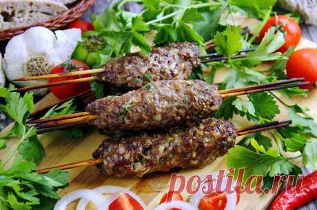 Домашний люля кебаб из фарша в духовке на шпажках рецепт с фото пошагово