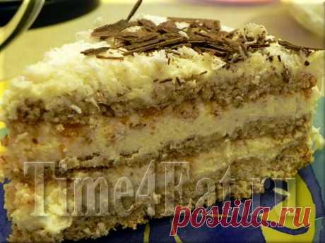 Миндальный торт с кокосовым кремом Вкус этого миндального торта очень напоминает популярные конфеты