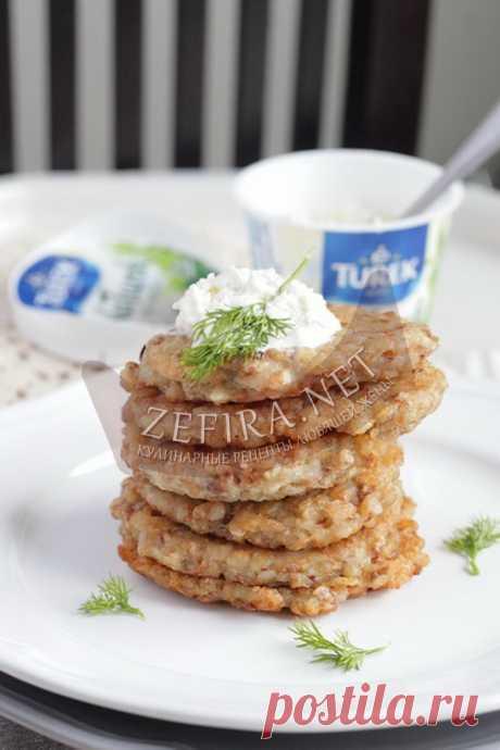 Оладьи из гречневой каши с жаренным луком — Кулинарные рецепты любящей жены