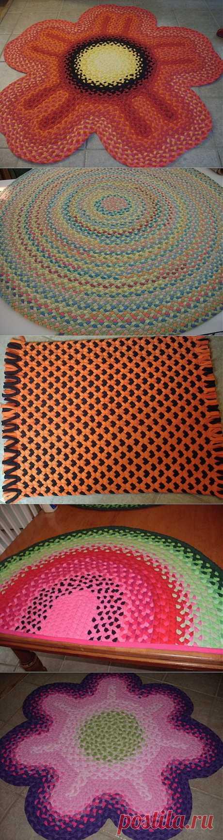 Los tapices pequeños de las camisetas viejas | las manos Hábiles