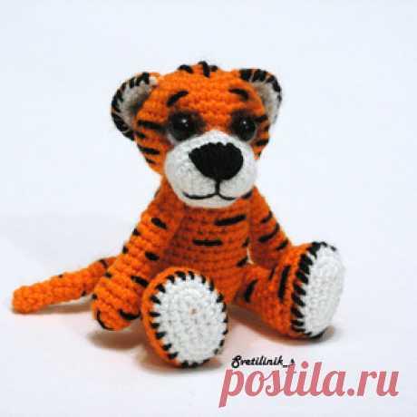 Тигр-р-р амигуруми. Схемы и описания для вязания игрушек крючком! Бесплатный мастер-класс от Михетовой Светланы по вязанию маленького тигра крючком. Высота вязаной игрушки всего 8 см. Для изготовления такого маленько…
