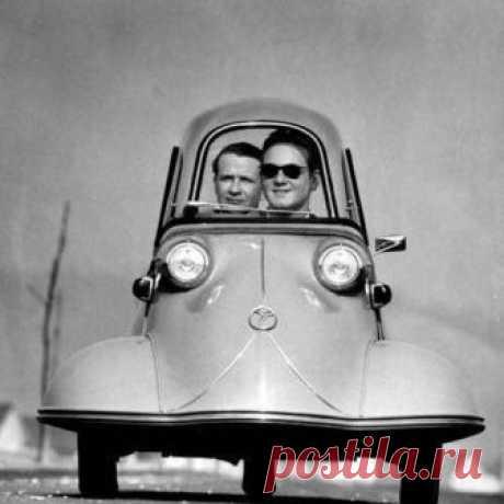 1954 год. После войны Мессершмидт вместо истребителей выпускал вот такие трёхколёсные автомобили.