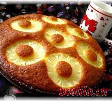 Очень простой пирог с консервированными ананасами