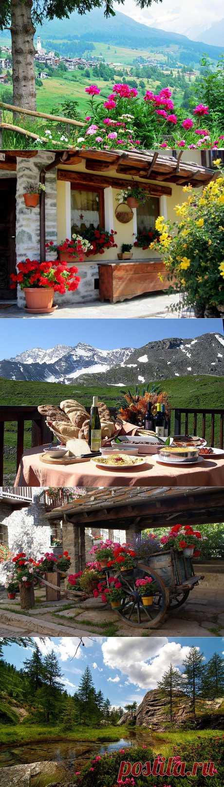 El valle Valle-d'Aosta pintoresco. Italia.