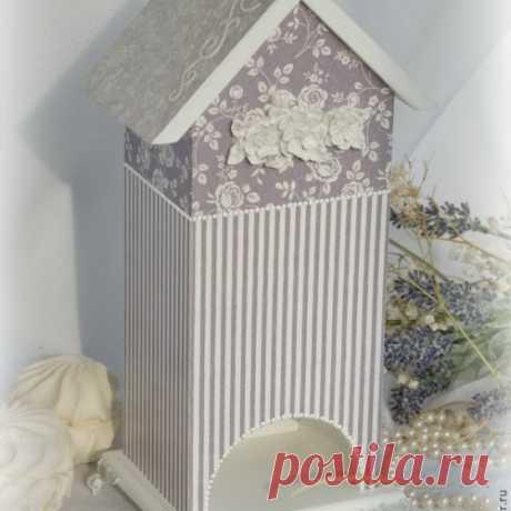 Стыковка салфеток в декупажных работах и наклеивание салфетки в неудобных местах на примере декора чайного домика