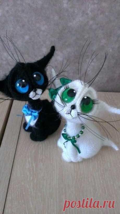Мастер-класс по вязанию такого замечательного кота.  Для вязания нам понадобится:  пряжа:  — основного цвета  — белого цвета – на щеки  Показать полностью…