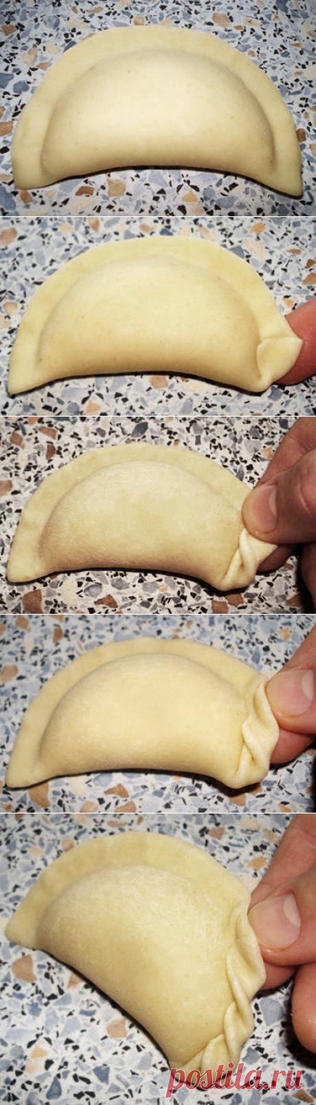 We learn to mold beautiful vareniki, pelmeni, a kurza and.....