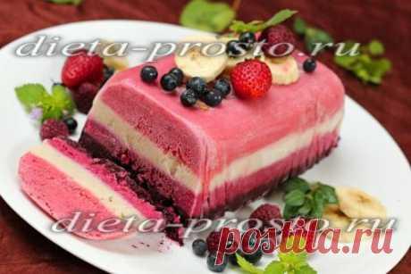 La torta-helado de bayas en las condiciones de casa: la receta de la foto