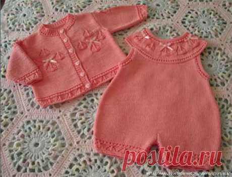 Розовый комплект - кофточка и комбинезон