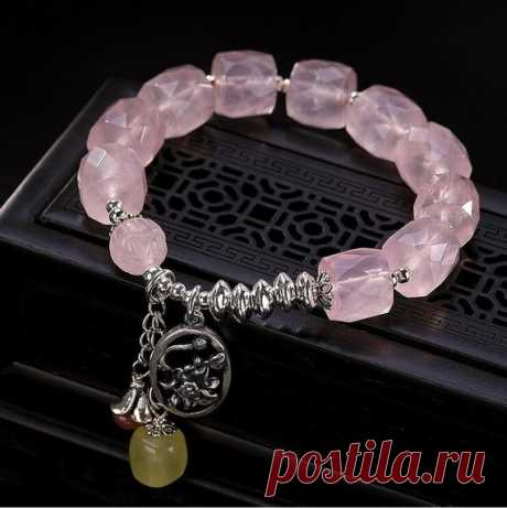 Pink Crystal Women's Bracelet /  925 Silver Fashion Bracelet / South Red Agate Bracelet / Birthday Gift / valentine's day gift for him Product Details:  Material: 925 silver, crystal, south red agate, beeswax  Color: pink  Shape: teardrop  Size: crystal 12mm, beeswax 10mm, length 180mm  Pendant weight: 36 grams  Translucent: translucent  Symbol: Good luck to you