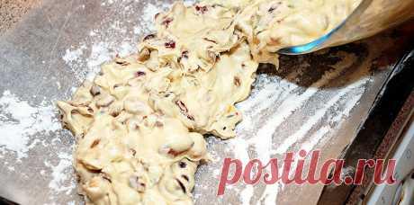 УЧИМСЯ ГОТОВИТЬ ПЕЧЕНЬЕ, КОТОРОЕ ТОННАМИ ВЕЗУТ ИЗ ИТАЛИИ!!! Мы предлагаем испечь эту удивительно хрустящую сладость с использованием нескольких видов орехов и сухофруктов.