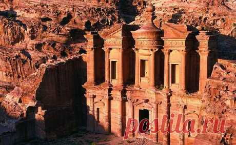 Загадочный древнейший город в скалах - Петра