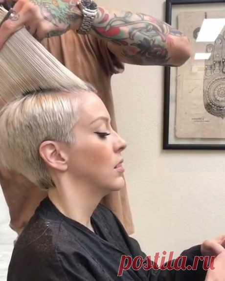 Latest Short Pixie haircuts cannot only emphasize the beauty of the female face, but also make the image more noticeable and charming. Get your inspiration!