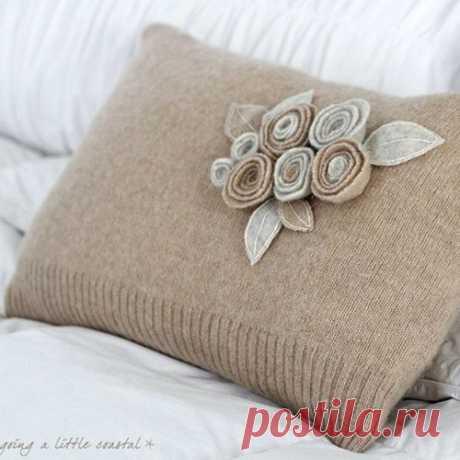 Идеи декоративных подушек из старых вязаных вещей