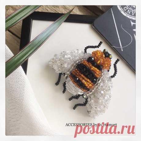 Наша любимица ♡ ♡ Привлекающая милая универсальная пчелка- станет базой для ваших образов В наличии (доставка до дверей) Уже безумно хочется ощутить весну и тепло в полной мере Здоровьяяяяя всем и приятного онлайн-шопинга Показать полностью...