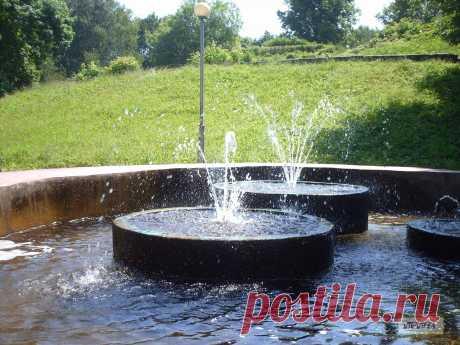 Фонтаны у Шеинова бастиона в Пионерском парке Смоленска.  ---   Fountains In The Park Smolensk  Free Stock Photo HD - Public Domain Pictures
