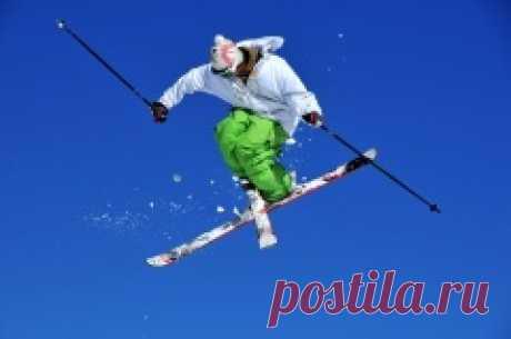 13 февраля 1988 - Фристайл — лыжное многоборье дебютировало в программе Олимпийских игр Фристайл (Freestyle skiing) — лыжное многоборье, в программу которого в разное время входили (и частично входят до сих пор) лыжная акробатика, ски-кросс,