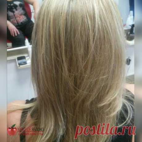 Мелирование💦-один из щадящих способов🌊 окрашивания волос, поэтому💁 большинство женщин👯 выбирают именно такой вариант👆. Работа Карины✂ м.Пролетарская