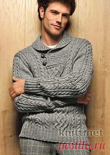 Вязаный спицами мужской пуловер с воротником